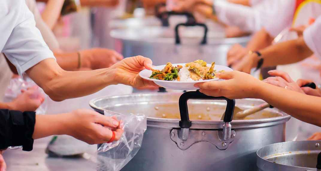 7 Ways To Give Back to Your Community